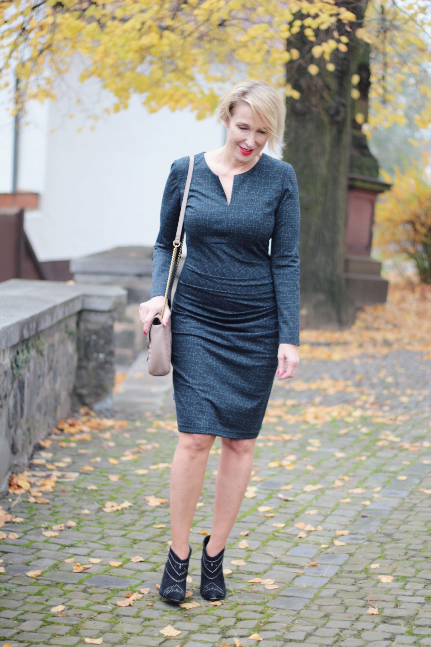 Ladylike Outfit mit hohen Schuhen