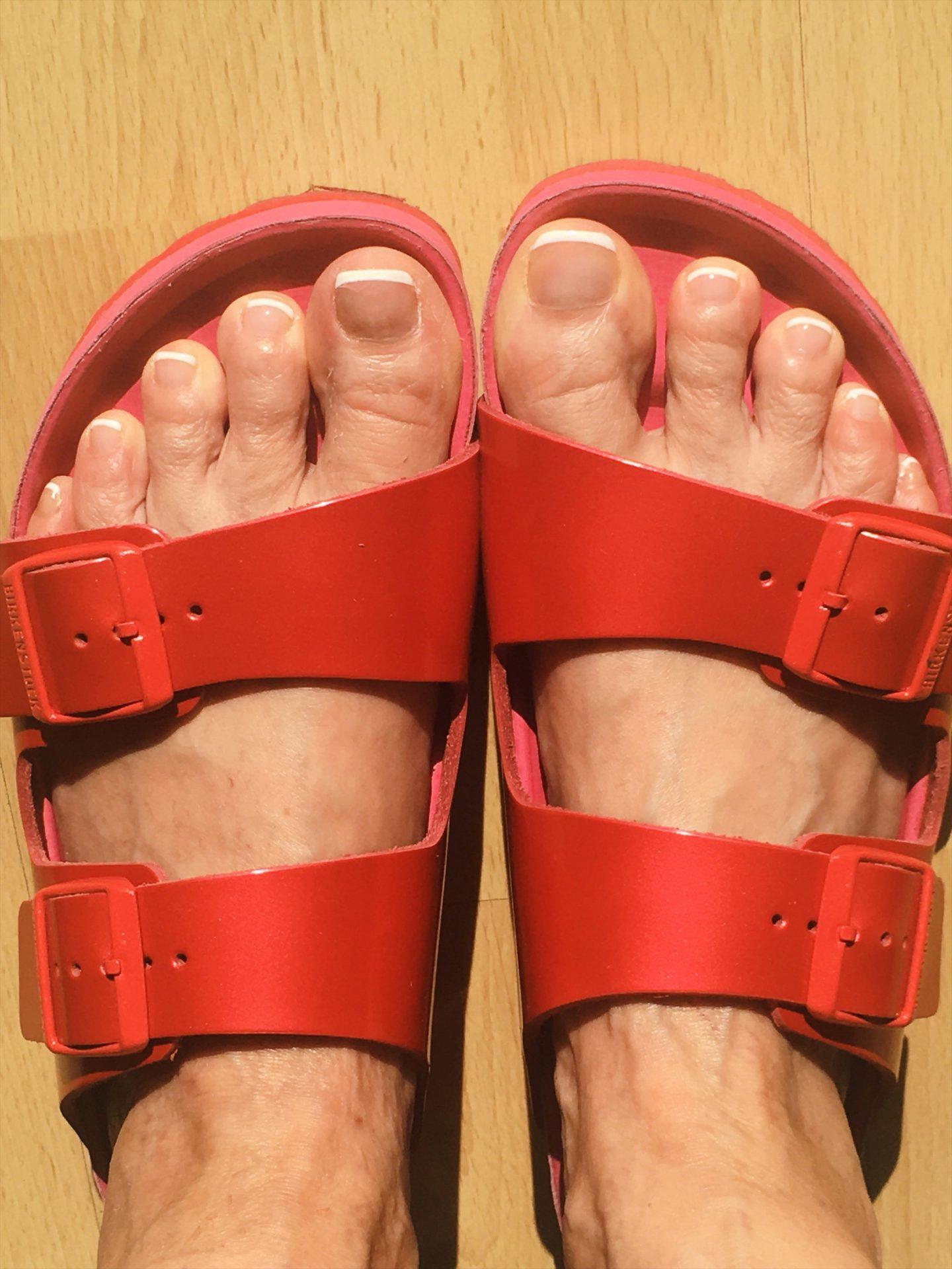 Sandalen: Crocs vs. Birkenstock
