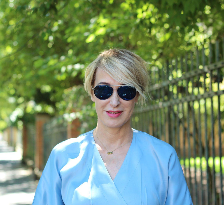 Warum tragen ältere Frauen einen Kurzhaarschnitt